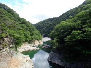 虹見の滝の橋からの景色