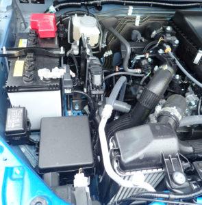 ジムニーのエンジン左側