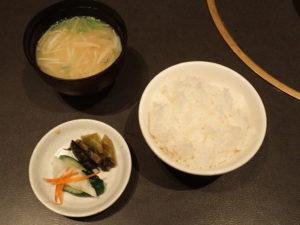 香の物・ご飯・味噌汁