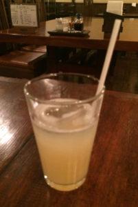 御茶呂(ごさろ)リンゴジュース